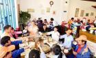 瑞安市塘下镇百名环卫工劳动节吃暖心大餐【图】