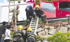 瑞安一小伙失足被困悬崖 消防弛援救他一命
