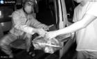 瑞安一外卖小哥无证驾驶被查,交警开警车载他送餐后再处